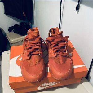 Nike huaraches Triple red